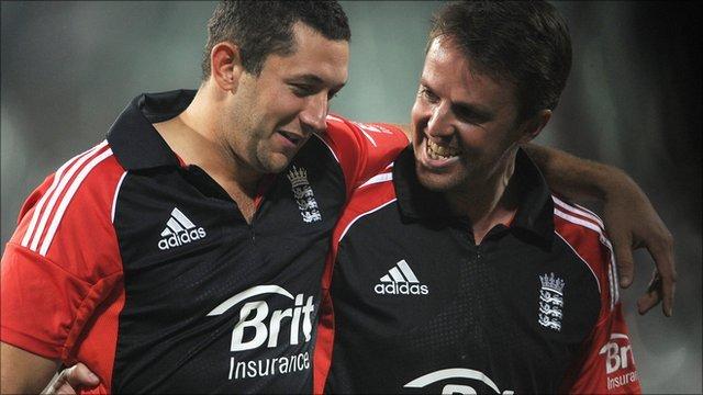 England captain Graeme Swann (left) with Tim Bresnan