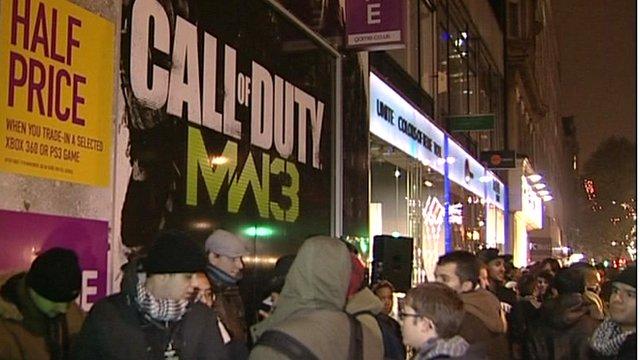 Fans queue for Modern Warfare 3
