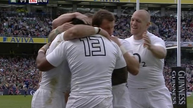 Mike Tindall with his fellow England team players