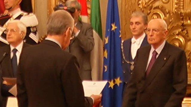 Mario Monti is sworn in
