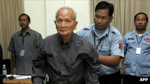 Former Khmer Rouge leader Nuon Chea (centre) at the UN-backed tribunal. File photo