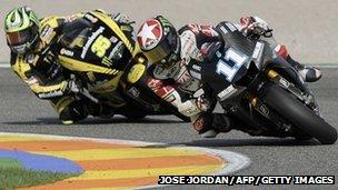 Ben Spies a Cal Crutcholow yn y MotoGP
