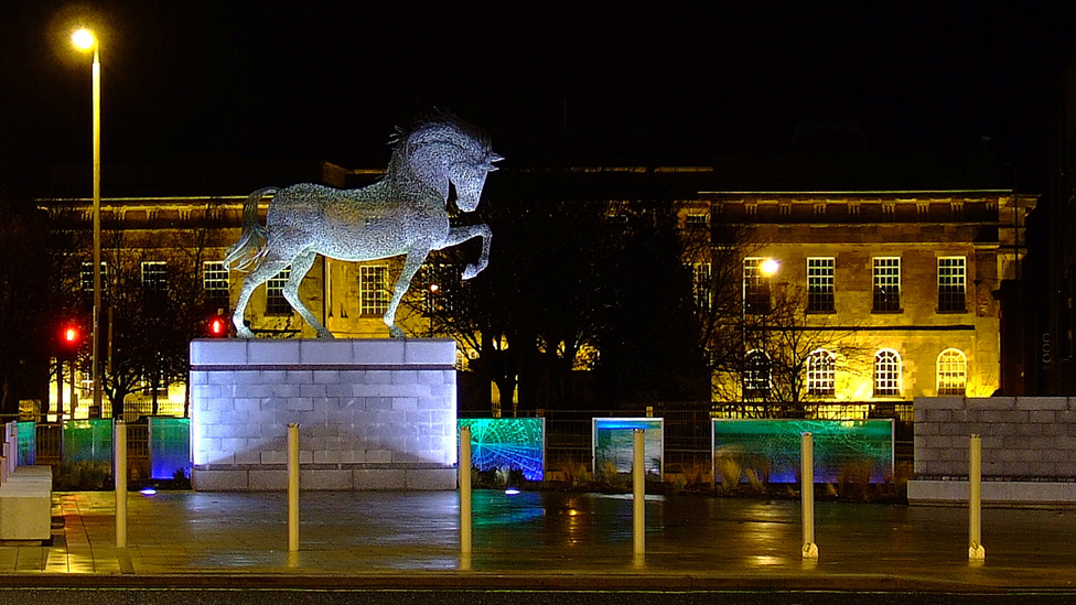 Sculpture in front of Greenock Custom House