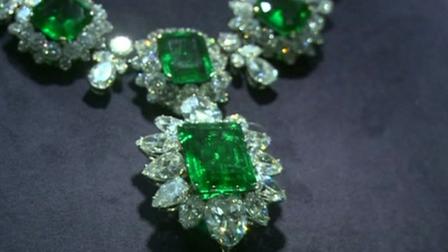Liz Taylor emerald necklace