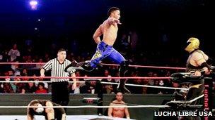 Lucha Libre USA match
