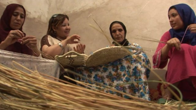Wafa Zerrouki with women basket weavers