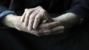 Dioddefwr Alzheimer's