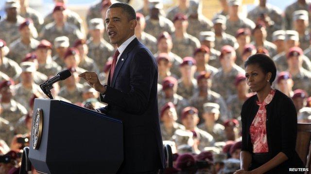 US President Barack Obama (L) and Michelle Obama (R)