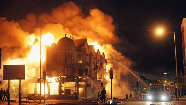 london riots croydon furniture store ablaze bbc news