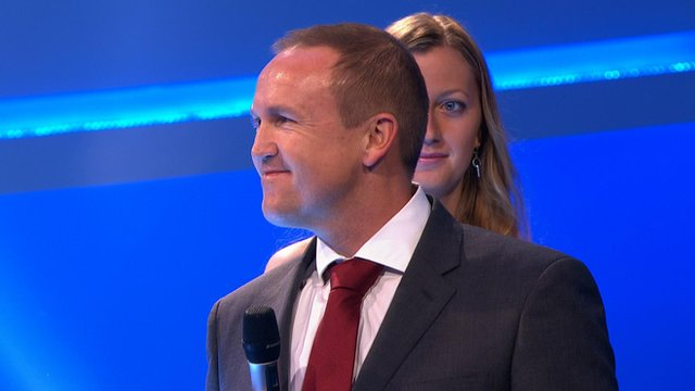 England cricket coach Andy Flower wins the BBC Sports Personality Coach of the Year award after masterminding the team's rise to the top of Test cricket