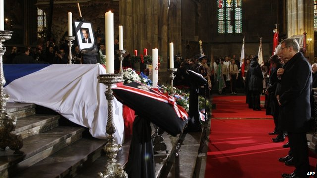 Mouners at Vaclav Havel funeral