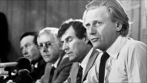 File photo dated 05/08/81 of Environment Secretary Michael Heseltine at a press conference in Liverpool
