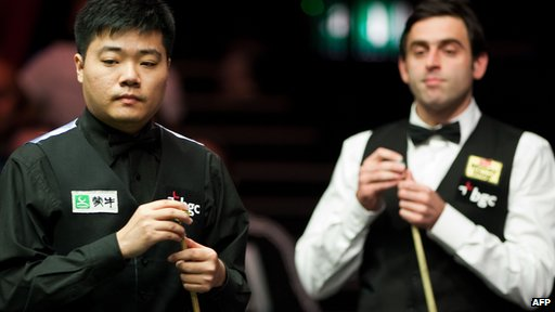 Ding Junhui and Ronnie O'Sullivan at the snooker Masters