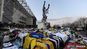 Tributes to Gary Speed at Elland Road