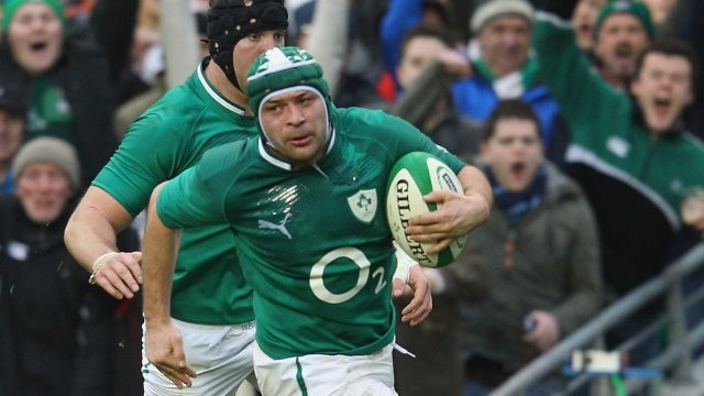 Hooker Rory Best scores for Ireland against Wales