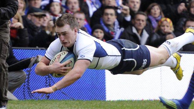 Stuart Hogg scores against France