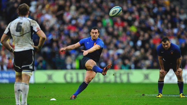 Lionel Beauxis drops a goal at Murrayfield