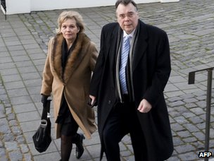 Geir Haarde and his wife arrive at the courthouse (5 March 2012)