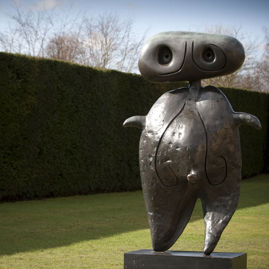 BBC News - Miro sculptures exhibited in UK