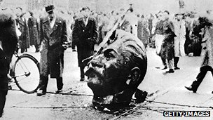 Stalin statue being toppled