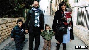 Rabbi Jonathan Sandler and his family