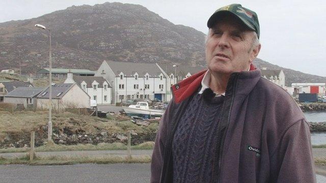 Raghnall MacFhionghuin, Comhairle Choimhearsnachd Loch Baghasdail