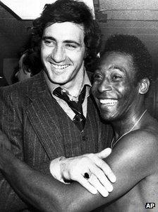 Pele gyda Giorgio Chinaglia ym 1976