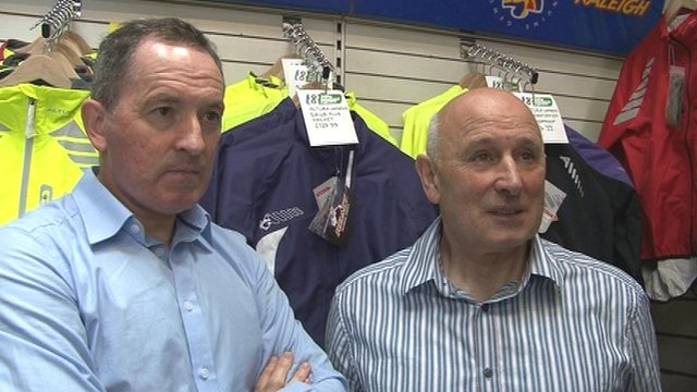 David Lang of Glasgow Wheelers and former pro cyclist Billy Bilsland