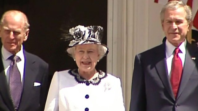 Bush honours Queen at White House