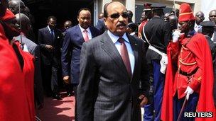 Mohamed Ould Abdelaziz in Senegal, 2 April 2012