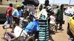 Civilians from Timbuktu arrive in Bamako, 4 April