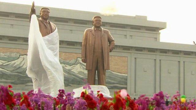 Giant statues of Kim Jong-il and Kim Il-sung were unveiled despite the rocket failure