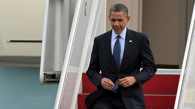 Barack Obama arrives in Colombia