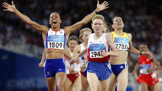 Britain's Kelly Holmes wins 1500m at 2004 Athens Olympics