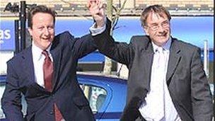David Cameron a Gordon Kemp