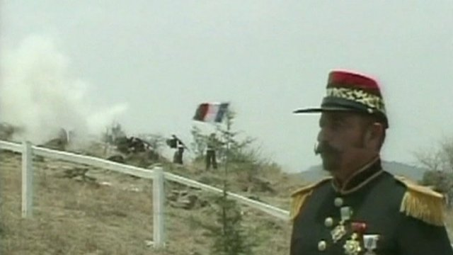 Man dressed up as an army officer from the Battle of Puebla