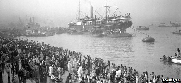 Undated photo of ships arriving at the Chandpal Ghat on the Hooghly River