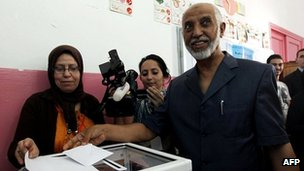 Abdelaziz Belkhadem, secretary-general of Algeria's ruling FLN, casts his vote in the 2012 parliamentary elections.