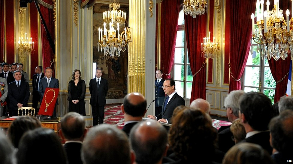 Francois Illas New Tradition: In Pictures: Hollande Sworn In