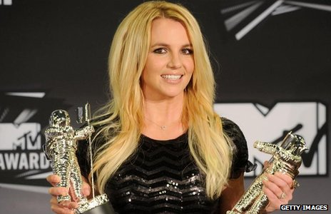 Britney Spears with her MTV Awards in 2011