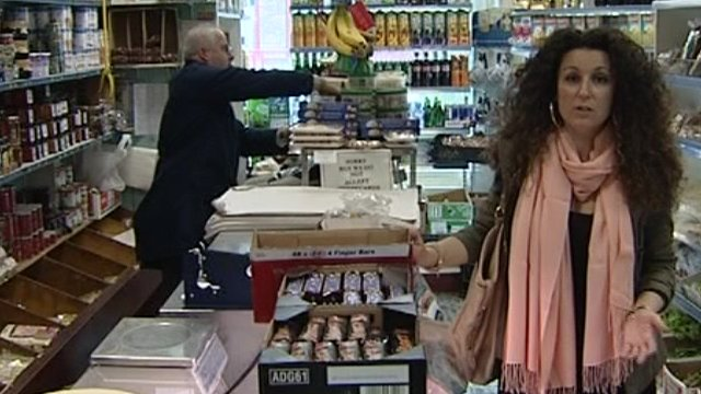 Katerina Vrana in shop