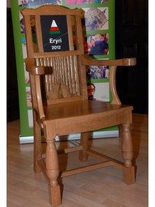 Cadair Eiteddfod yr Urdd 2012