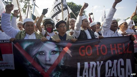 Islamic hardliners rally against the Lady Gaga concert in Jakarta. 25 May
