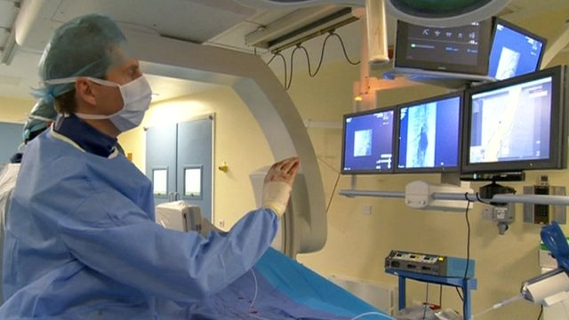 Tom Carrell Consultant Vascular Surgeon using touchless technology