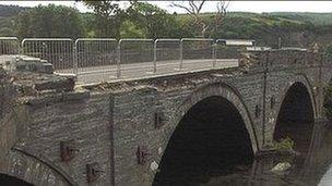 Pont dros Afon Dyfi, Machynlleth