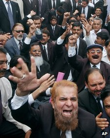 Lawyers protesting in support of Mr Chaudhry in 2077