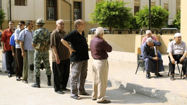 Men queue to vote in Egypt