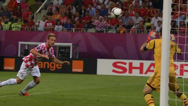 Croatia's Ivan Rakitic misses with header against Spain
