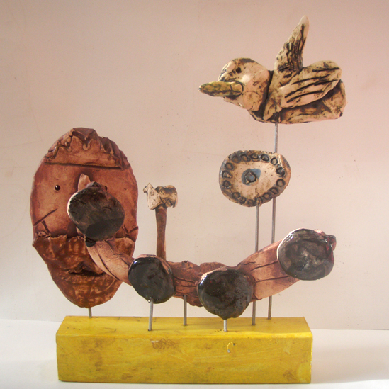 """Bird on Stick"" gan Priscilla Jones, 18, o Ysgol Y Bont"