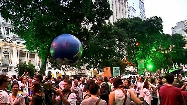Thousands in Brazil green protest